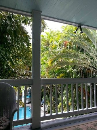 Ambrosia Key West Tropical Lodging: Lovely place for morning coffee!