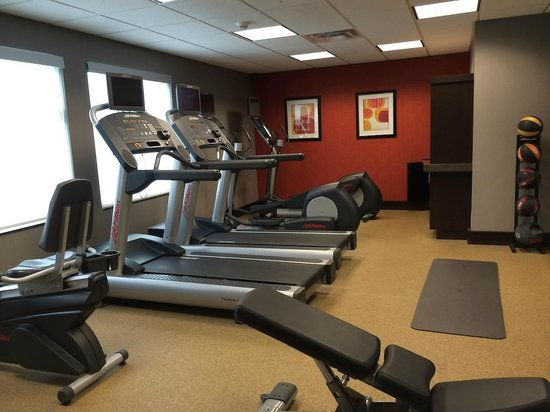 Residence Inn Coralville: Treadmills