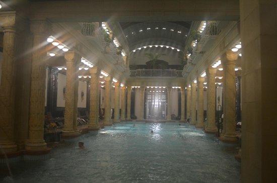 Gellert Spa : piscina