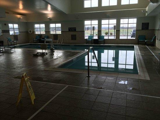 Residence Inn Coralville : Pool
