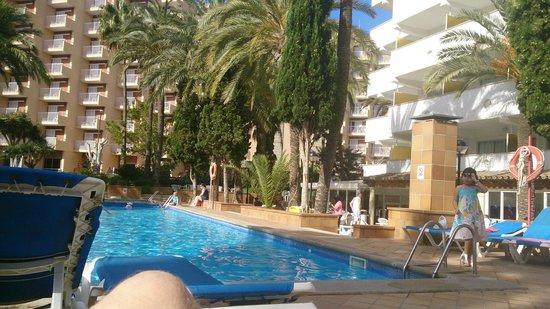 Ola Club Panama: pool area