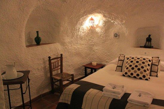 Cuevas El Abanico: Chambre 1 lit double