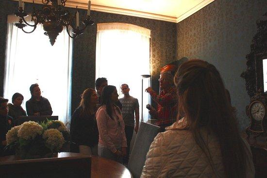 Goethe House: Interior