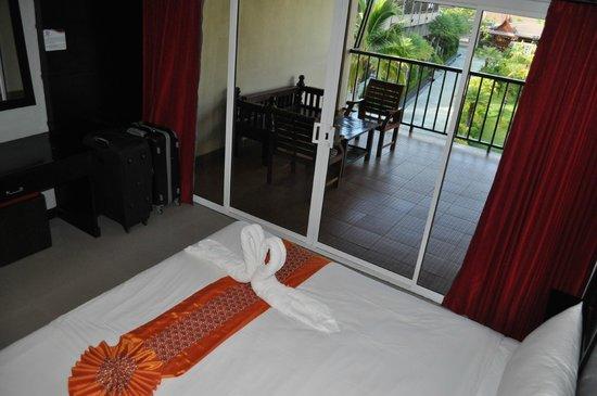 Maleedee Bay Resort: Chambre et terrasse