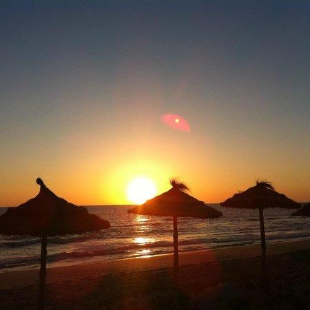 Radisson Blu Ulysse Resort & Thalasso Djerba: First sunrise on the beach