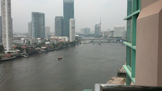 Chatrium Hotel Riverside Bangkok: Looking North from our balcony