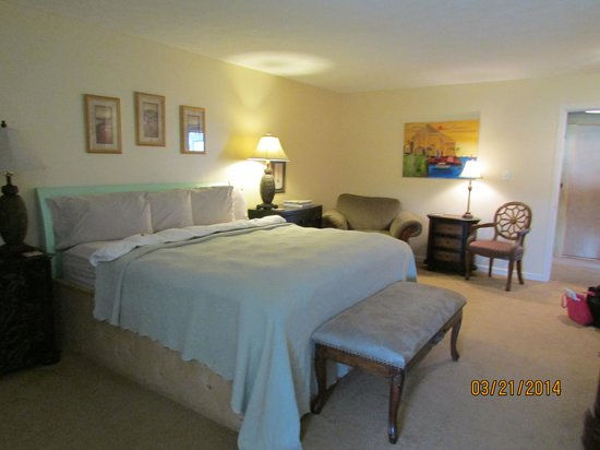 Cart Barn Inn @ Yoda Creek: Gardenia Suite