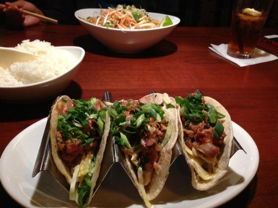 Ling and Louie's Asian Bar & Grill: Ahi tacos, pad thai