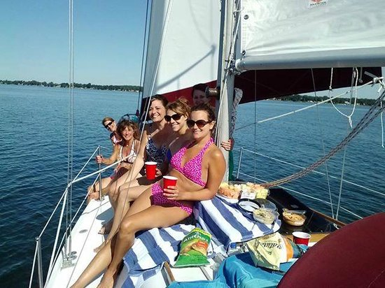 Sackets Harbor, NY: Sailing Charters Done Right!