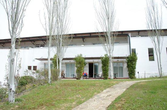 Hotel Fuerte Grazalema: Nuestra habitacion desde el jardin