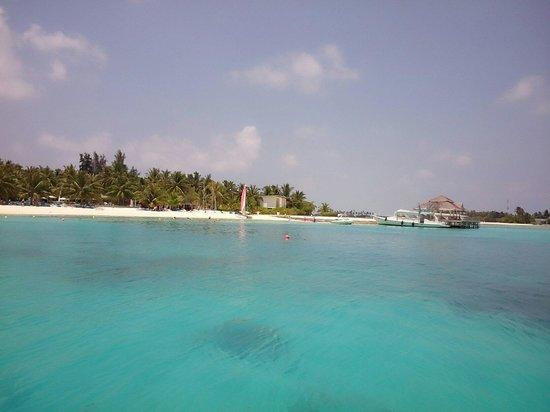 Holiday Inn Resort Kandooma Maldives: Sapphire like sea