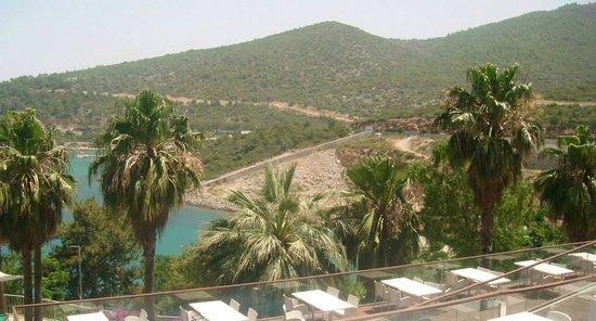 Kervansaray Resort : Mountains in distance