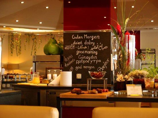Hotel Palace Berlin : breakfast buffet