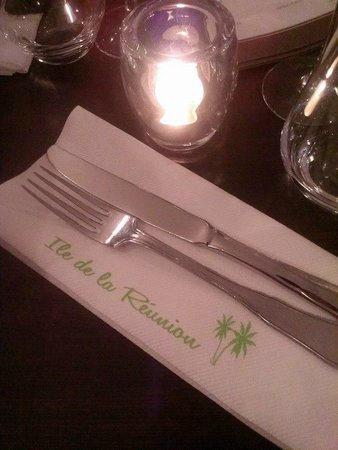 Restaurant Ile de la Reunion: table