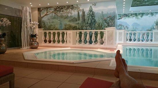 Hotel Palace Berlin: jacuzzi