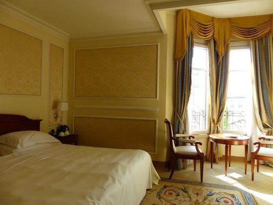 Grand Visconti Palace : Room