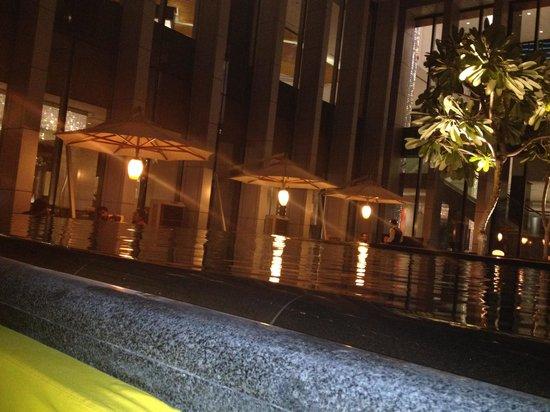 The Oberoi, Dubai : Hotel restaurant terrace