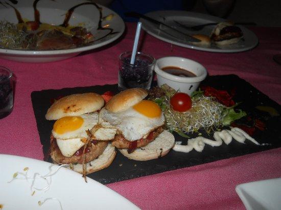 Taberna De Nino: Some Burgers