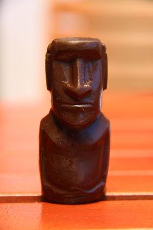 Hotel Gomero : Welcoming chocolate moai