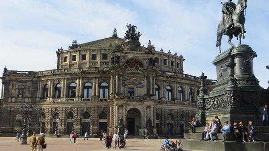 Semper Opera House (Semperoper): Edificio de la opera Semper