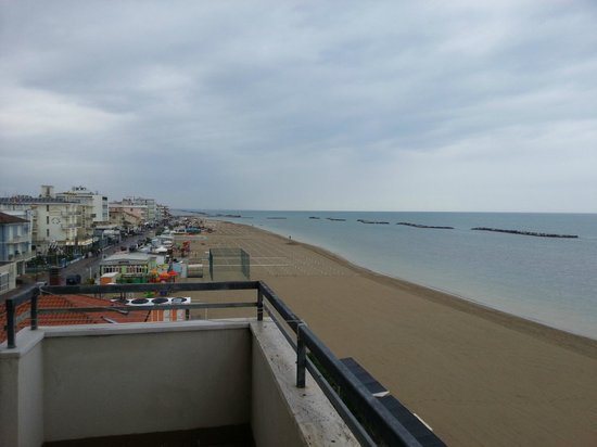 Beach Suite Hotel : dal balcone