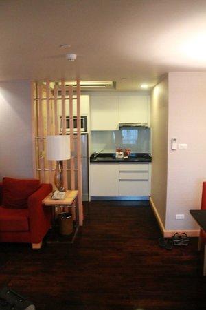 Sukhumvit 12 Bangkok Hotel & Suites: Vista cucinino