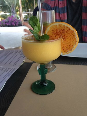 Villas de Cerritos Beach: Mango Margs at Carlitos in Pescadero