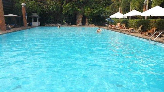 Fairtex Sports Club Hotel : Swimming pool