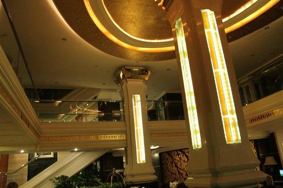 Fairtex Sports Club Hotel: Lobby