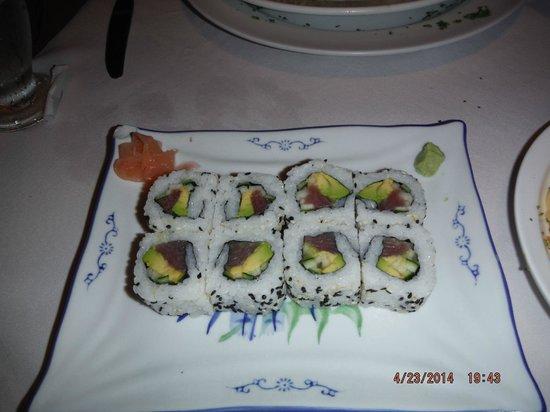 Papagayo Seafood: yummy sushi tuna rolls