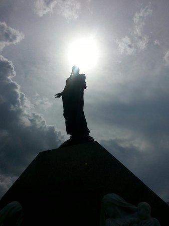 Christopher Columbus Cemetery (Cemetario de Colon): Q hermoso lugar!