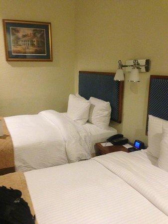Wyndham Garden Baronne Plaza New Orleans: Beds were okay