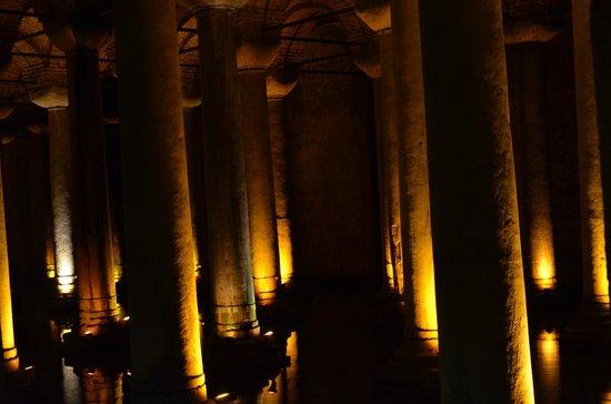 Citerne Basilique (Yerebatan Sarnıcı) : Цистерна
