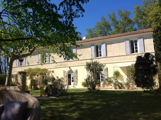 Mas de Capelou: View of the house from the garden