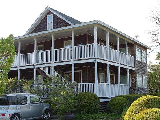 Scarborough Inn: the inn