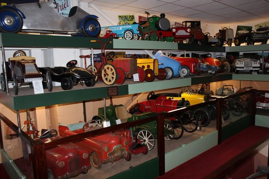 Northiam, UK: More of the wonderful pedal cars on display