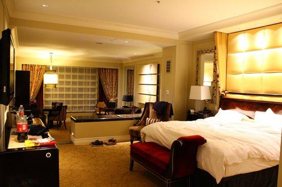 The Palazzo Resort Hotel Casino: Bedroom