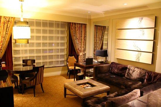 The Palazzo Resort Hotel Casino: Living room