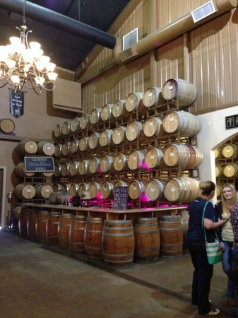 Wilson Creek Winery : Back tasting room