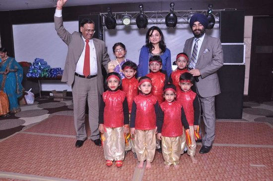 Medallion Chandigarh Zirakpur: Dance performanes by tiny tots