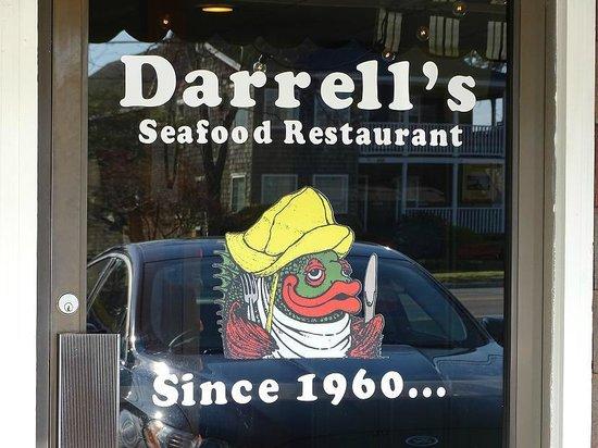 Darrell's Restaurant : front door