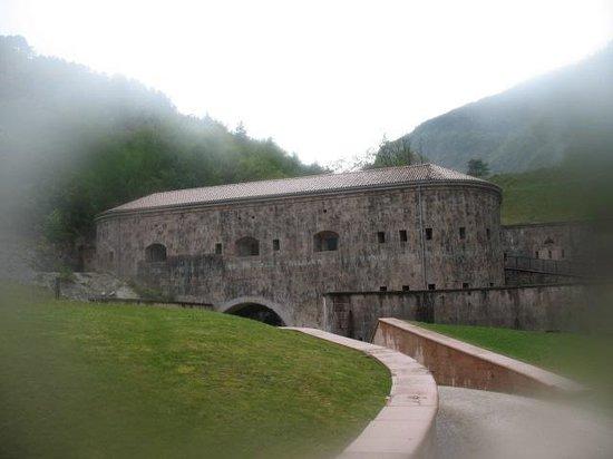 Forte Cadine Bus de Vela