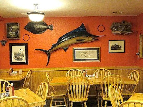 Darrell's Restaurant: 1st dining area