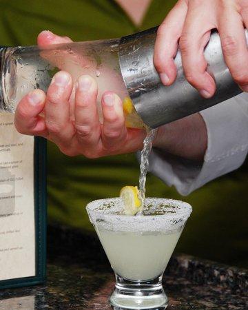 Portland Spirit River Cruises: Full Service Bar