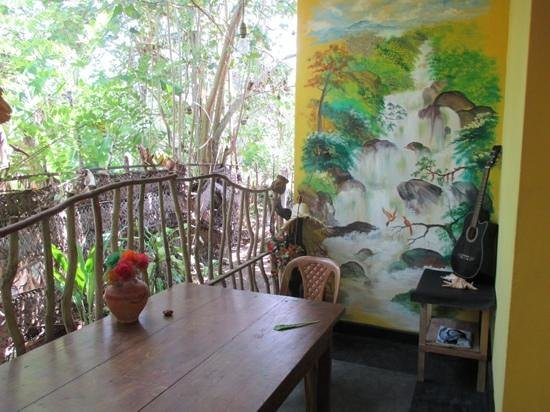 Minara Guest House: chill out area