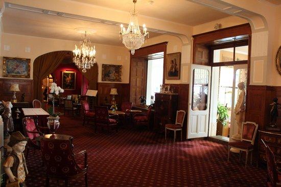 Hotel Victoria: Холл
