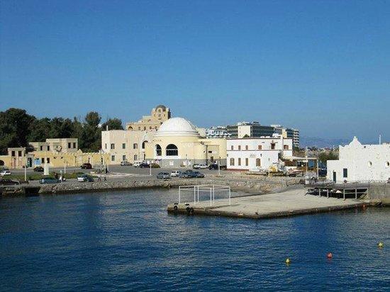 Rhodes Wonder - Private Taxi Tours: main port entrance
