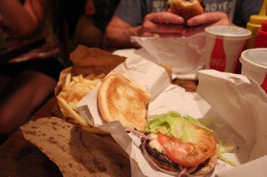 Burger Joint at Le Parker Meridien Hotel: Juicy burger