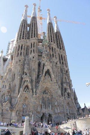 Hesperia Sant Joan : Obyek Wisata Sagrada Familia