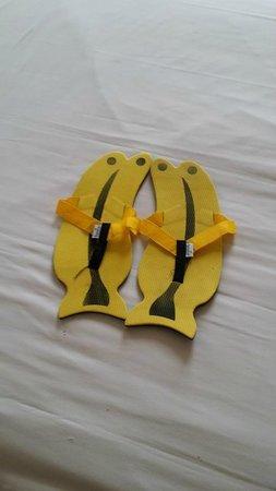 Banana Inn Hotel & Spa: cute bedroom slippers